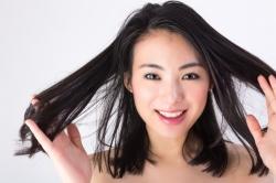 髪は1か月にどれだけ伸びる?