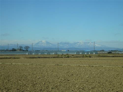 雪化粧の日光連山